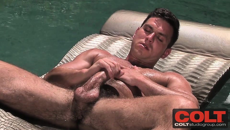 Muscular Stud Paddy O Brian Jerks Off In A Swimming Pool Drtuber