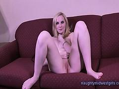 Kiki Munroe 18 yo. first porn