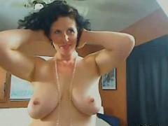 me-busty-housewife-shanon-teasing-on-webcam