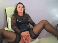 sexy-brunette-milf-in-latex-fingers-pussy