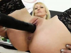 attractive-blond-haired-nelly-gets-her-piss-hole-capacity