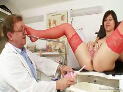 kinky-gyno-doctor-fingers-pussy-of-hot-brunette
