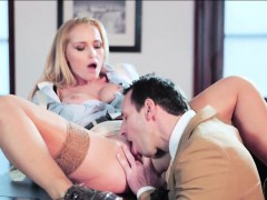 Lady Boss Kathia Takes A Bang Break