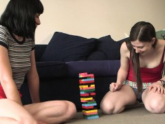 Girls Out West - Pale Amateur Lesbians Give Awesome Rimjobs