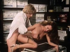 Annette Haven, Lisa De Leeuw, Veronica Hart In Vintage Porn