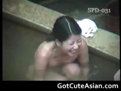 horny-japanese-ladies-bathing-part1
