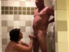 playing-in-the-shower-720p