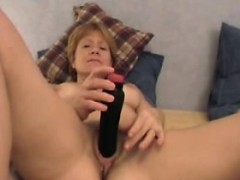 chubby-milf-linda-enjoing-a-pleasant-time