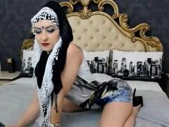 teaser hijab woman