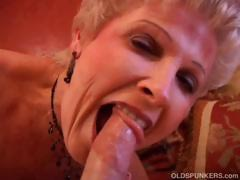 gorgeous-cougar-sucks-cock-and-eats-cum