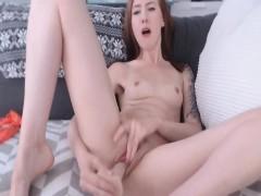 petite-webcam-babe-enjoy-dildo-fucking
