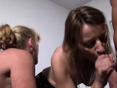 reifeswinger – mature swinger sluts in threesome (german)