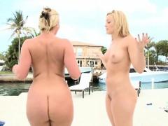 The Ass Battle! Phoenix Marie vs Alexis Texas