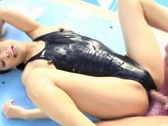 yui-in-a-swimsuit-2