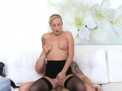 femaleagent-bodybuilder-fucks-sexy-blonde