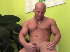muscular-dude-alfredo-castaldo-loves-stroking-his-meatsicle