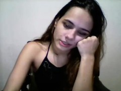 sexy-girl-plays-chat-funny-1