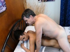Pinoy Twinks Ass Pounded By Older Dude