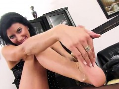 Peculiar Czech Sweetie Stretches Her Tight Slit To The Stran