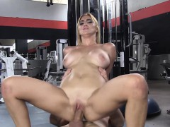 chicasloca-spanish-babe-gets-her-pussy-ravished-at-the-gym