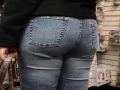 Big Butt Asian Voyeur Shopping!!