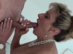 Unfaithful English Milf Lady Sonia Shows Her Large Tits