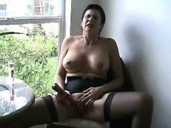 Смотреть порно 2 мужчины 1 женщина