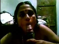 Desi Mallu Bindhya Aunty