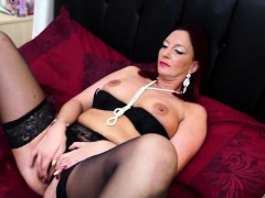 british-housewife-goes-wild