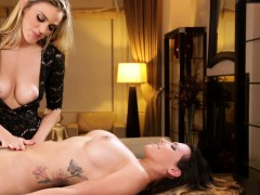 milf-masseuse-orally-pleasured-by-client