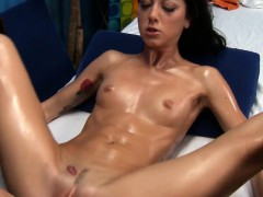 clean-shaved-pink-cunt-of-stunning-girl-is-fucked-by-ramrod