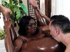 Massage Therapist Ana Foxxx Pleases Hung Client
