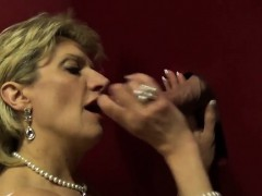 unfaithful-uk-mature-lady-sonia-flashes-her-huge-naturals