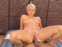 big-ass-babe-gets-slippery-fucked