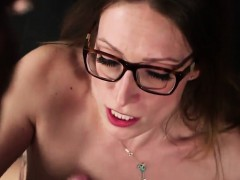 Foxy looker gets cumshot on her face eating all the cream