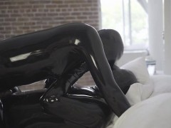 hot-pornstar-latex-and-cumshot