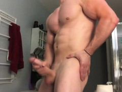 ricky-ks-muscle-and-cum-display-offering-his-10-inch-penis