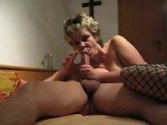 mature-and-wild-amateur-mom-blowjo-melodi-from-dates25com