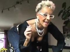 Nasty mom Kizzie from dates25com