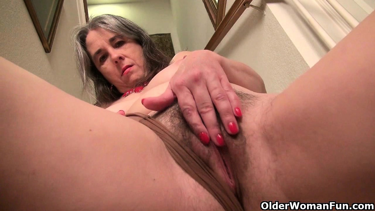 Milf eva griffin fingers her nyloned wet puss