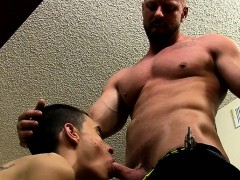 muscle-twinks-anal-sex-and-cumshot