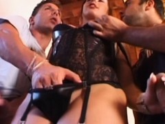 paola-loses-her-anal-virginity-to-pierre