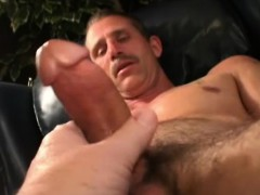 mature-amateur-donald-jerking-off