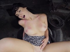 dude-bangs-hot-babe-in-some-car-park-outdoors