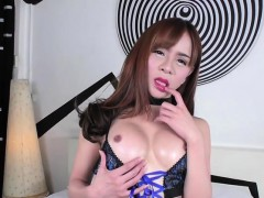 petite-ladyboy-plam-in-a-sexy-lingeries