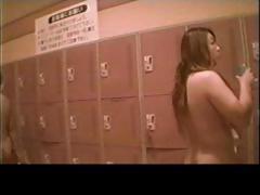 voyeur-japanese-teens-in-the-locker-room-part1