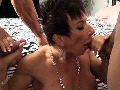 nude-female-bodybuilder-takes-two-loads-and-loves-it