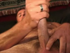 mature-amateur-rob-jacks-off