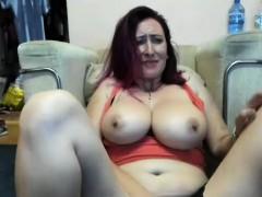 dirty-milf-makes-herself-pleasure