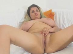 busty-chubby-mature-enjoys-dildo-time